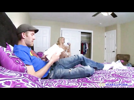 Handsome dude got amazingly hot roommate blonde chick