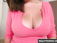 Yummy plump Czech girl Eliska Nikola loves fuck with big dick