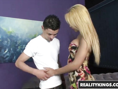 Blonde beauty tranny Paola Lima undresses and excitingly blowjobs her fucker