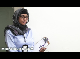 Hot Arab chick in hijab Mia Khalifa is researching big white and black dicks