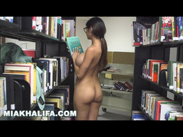 Sweet Muslim chick Mia Khalifa spreads jelly buttocks to show off asshole
