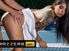 Impressive sexy Gina Valentina hurt her leg at tennis court and fucked the masseur